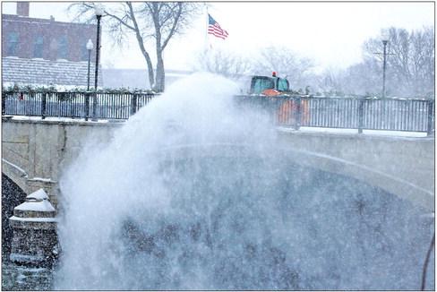 Snow, wind buries NE Iowa