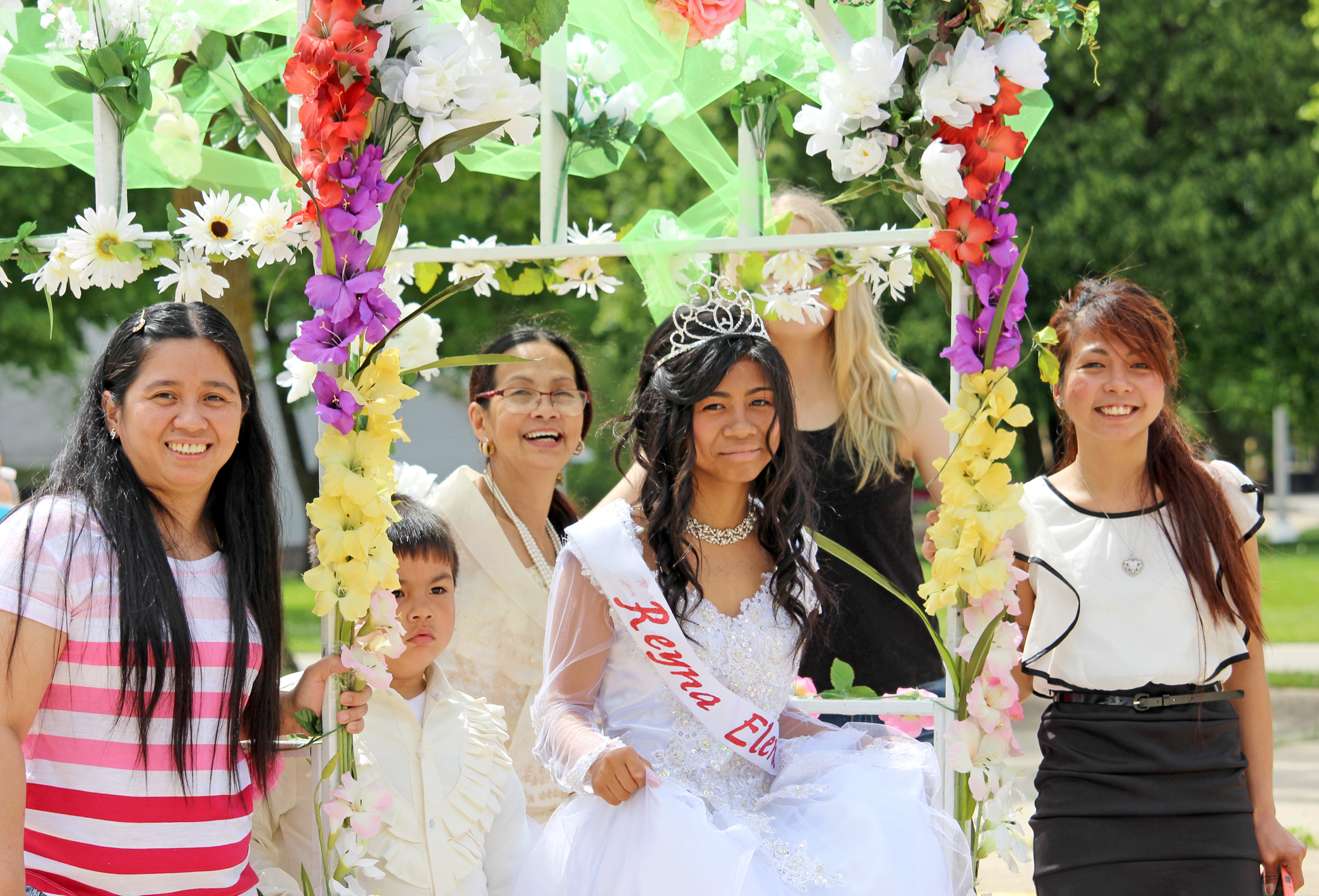 Residents, visitors join in Fil-Am's annual celebration