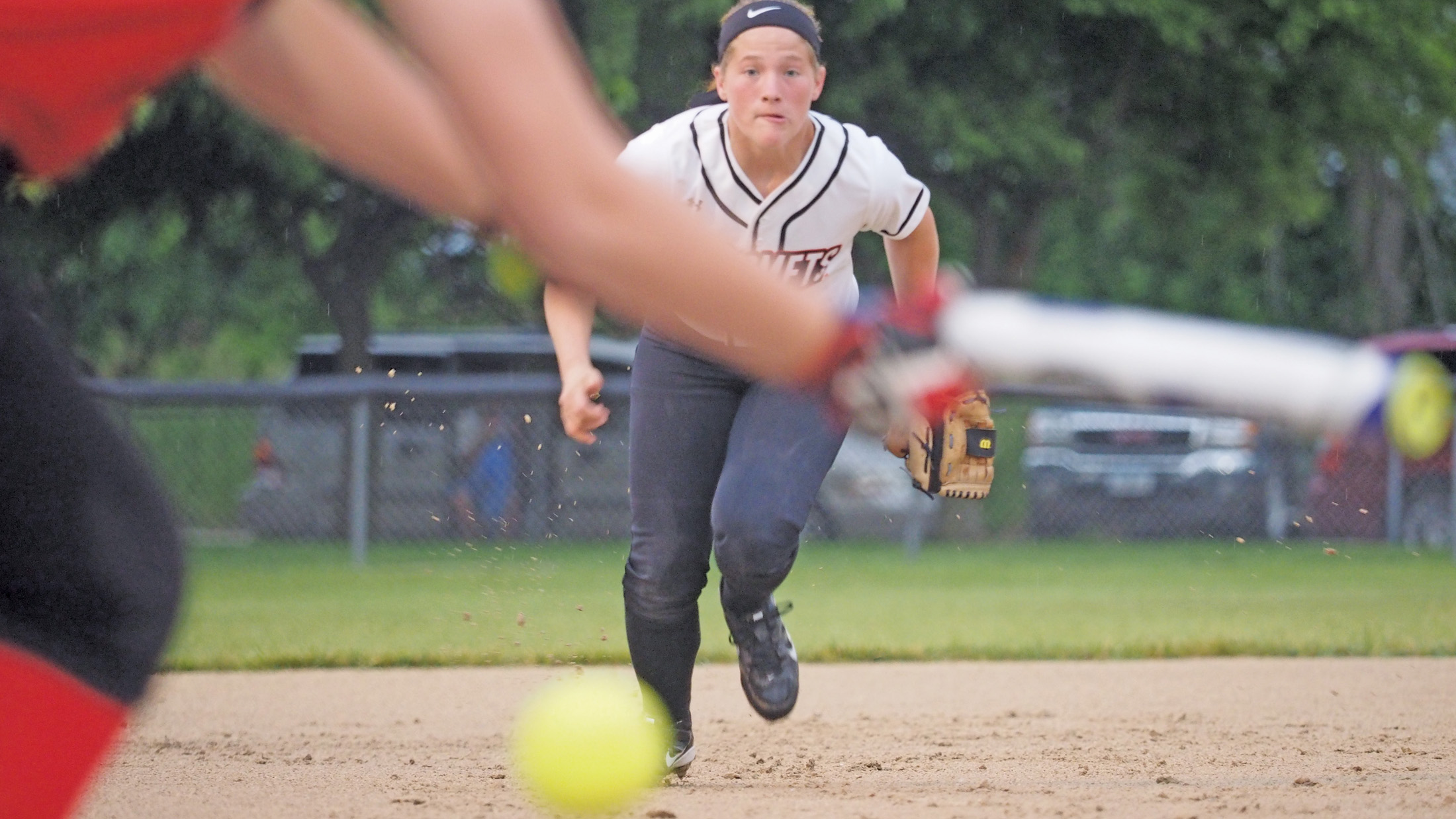 Chickasaws steal Comets' thunder