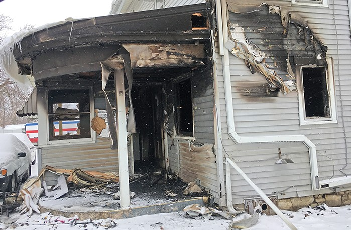 Early morning fire damages CC apartment building