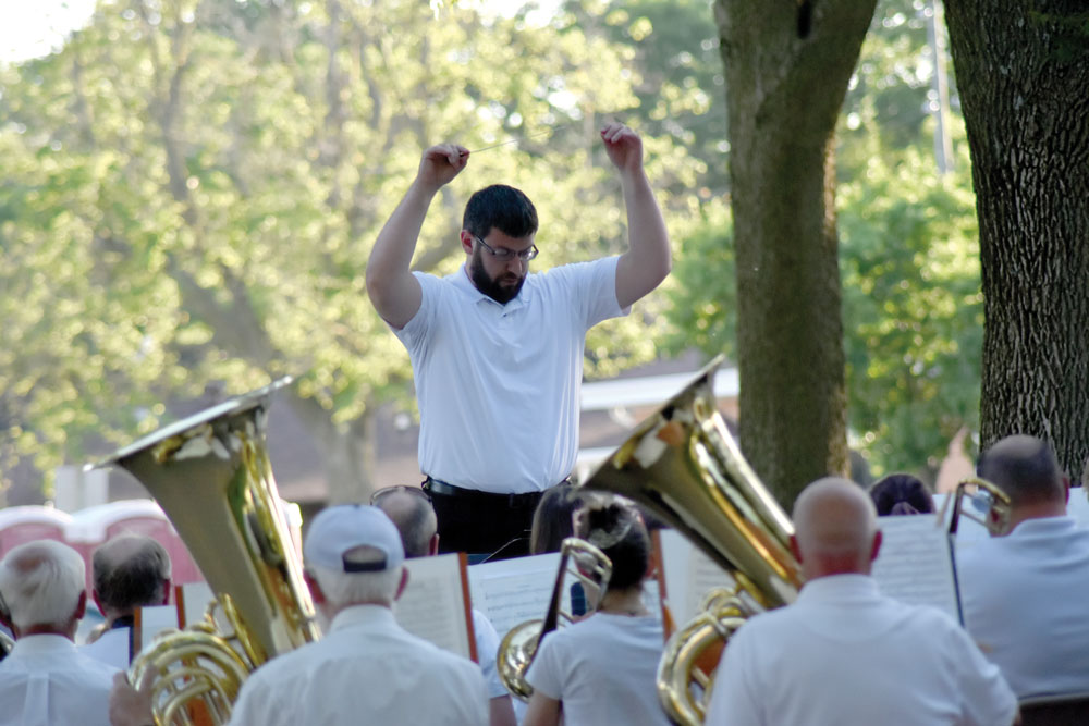 Municipal Band draws a crowd at its first concert