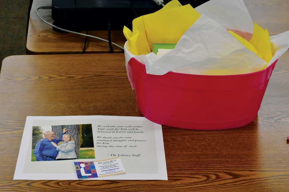 Card shower arranged for ill library director