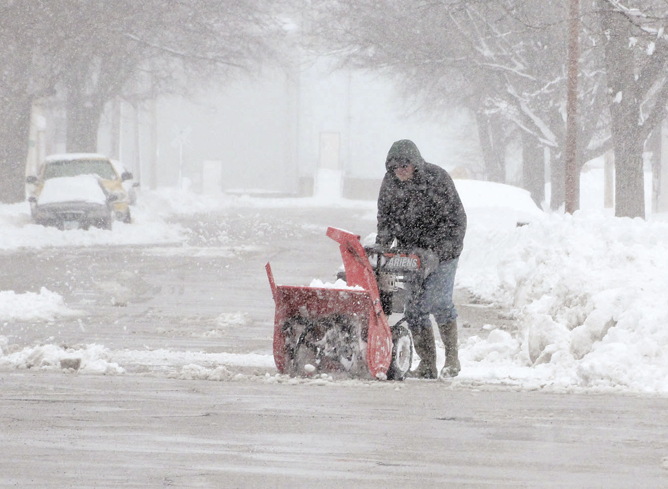 March mayhem: Storm drops 14 inches of snow on Charles City