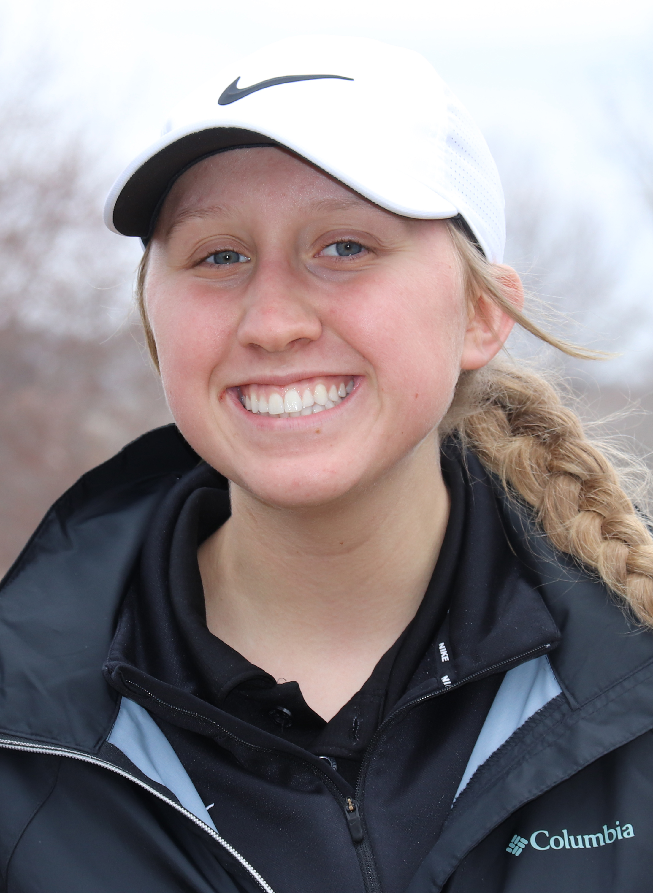 Daniels repeats as medalists as Comet girl golfers improve to 3-0