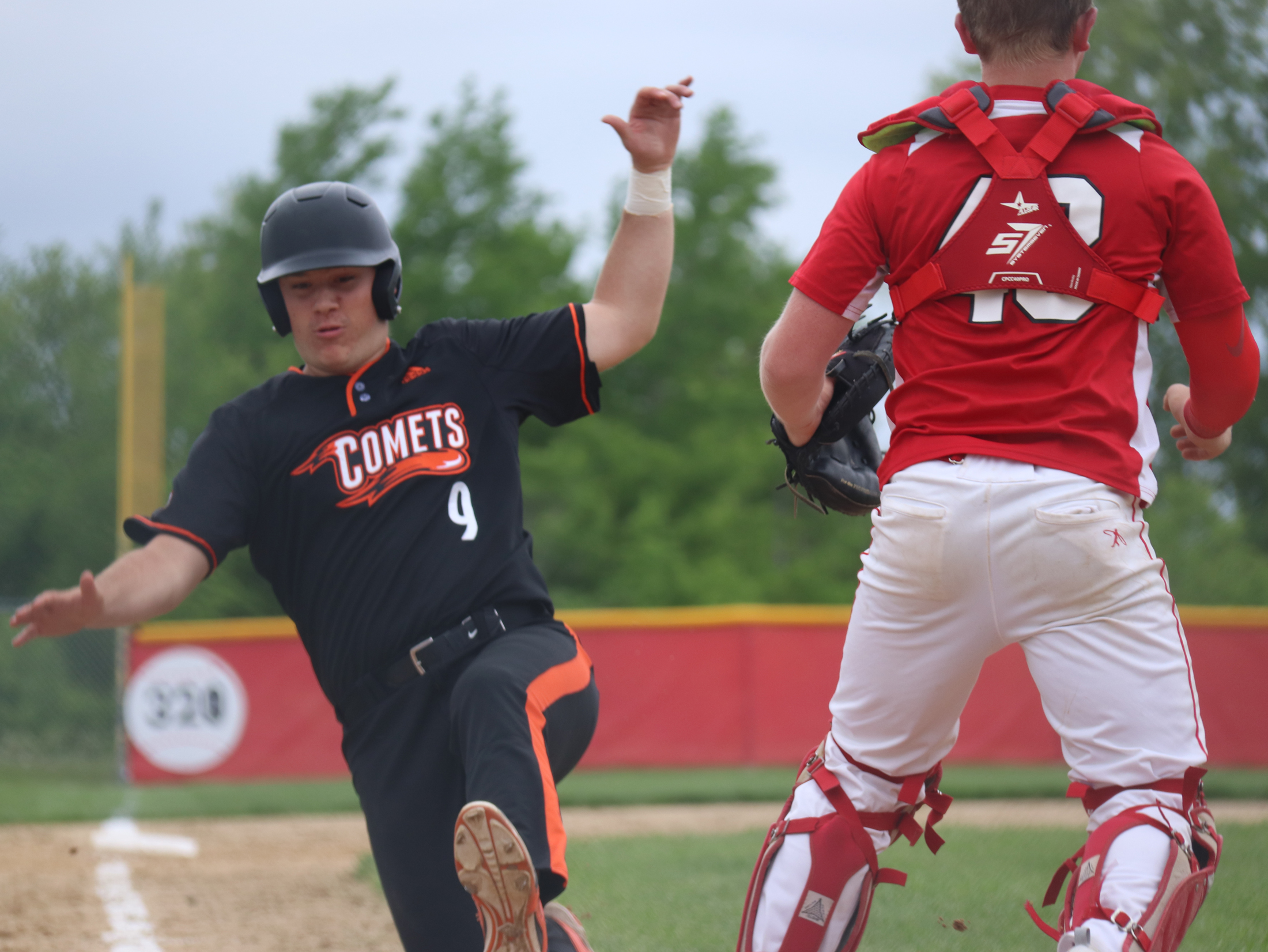 Comets win 12-3 playing Turkey Valley 'house rules'