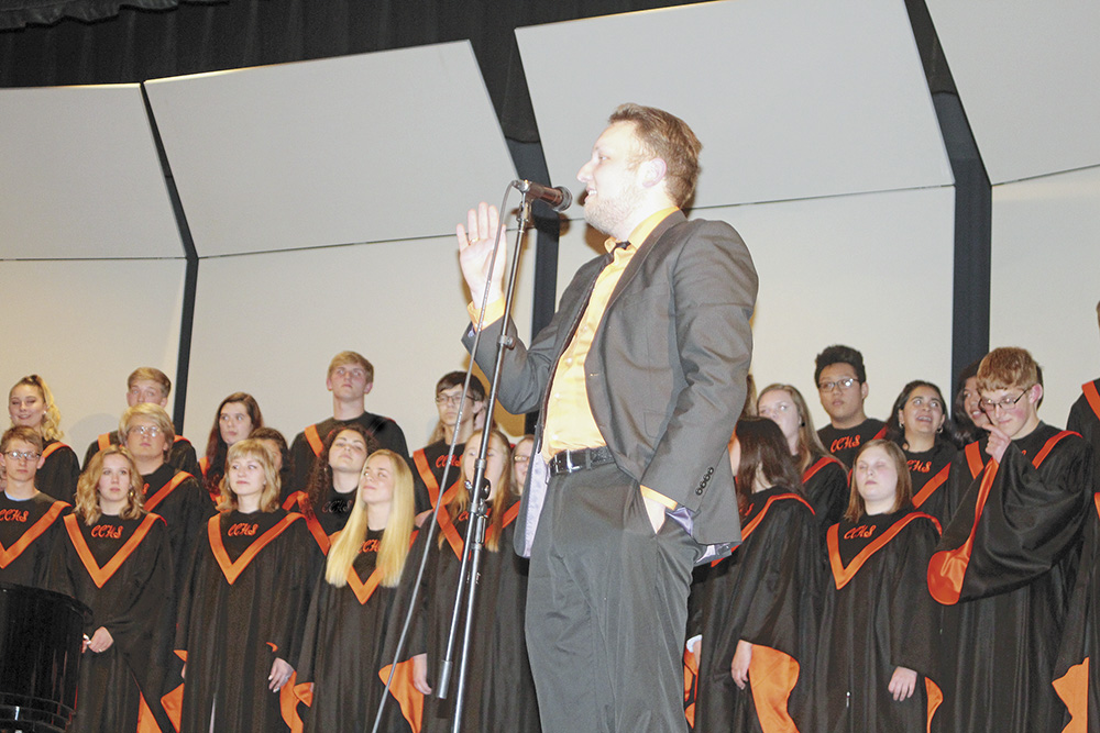 CCHS Choir performs final concert of school year
