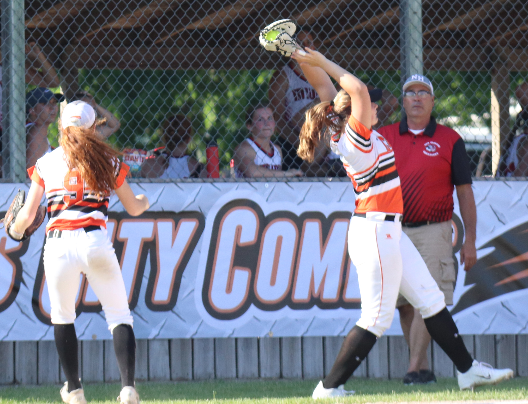 Comets double-up Chickasaws, improve to 15-0