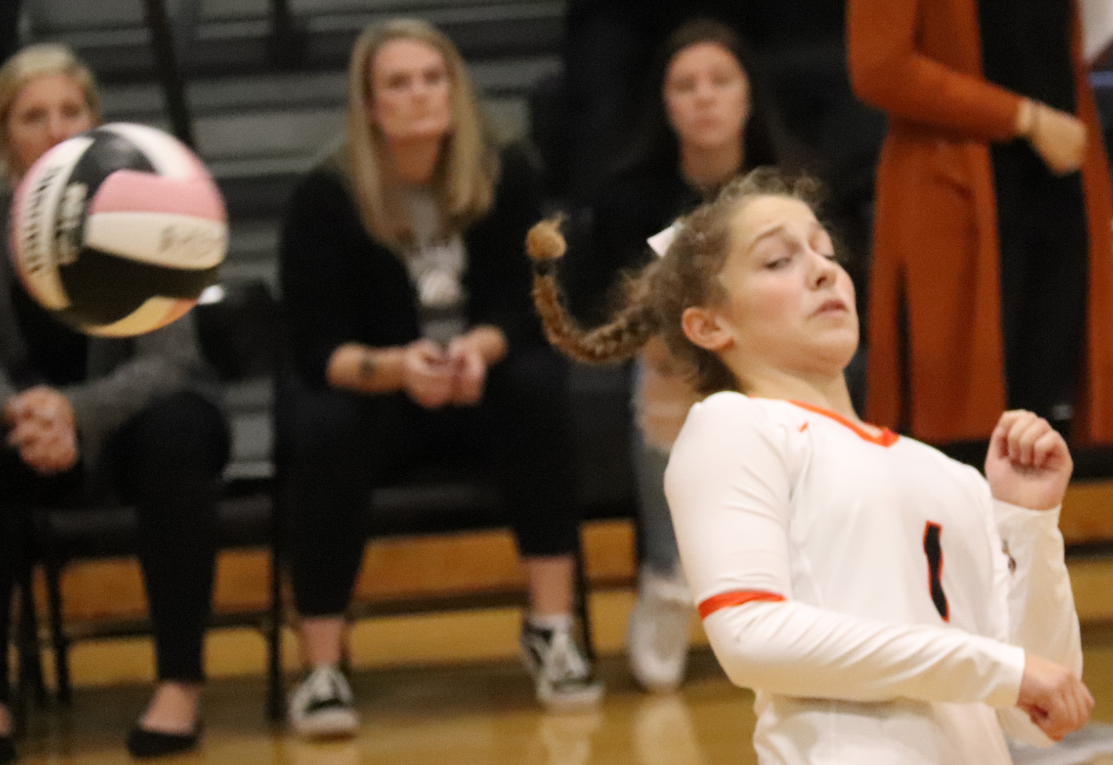 Comets slay Lions, fall to Mohawks in VB tri-meet