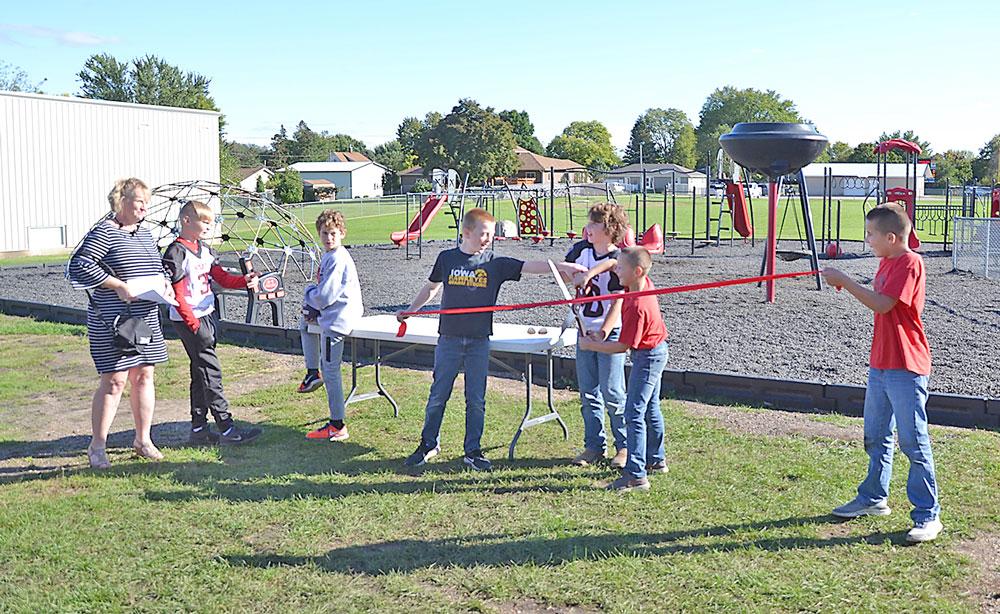 N-P Elementary students celebrate new playground