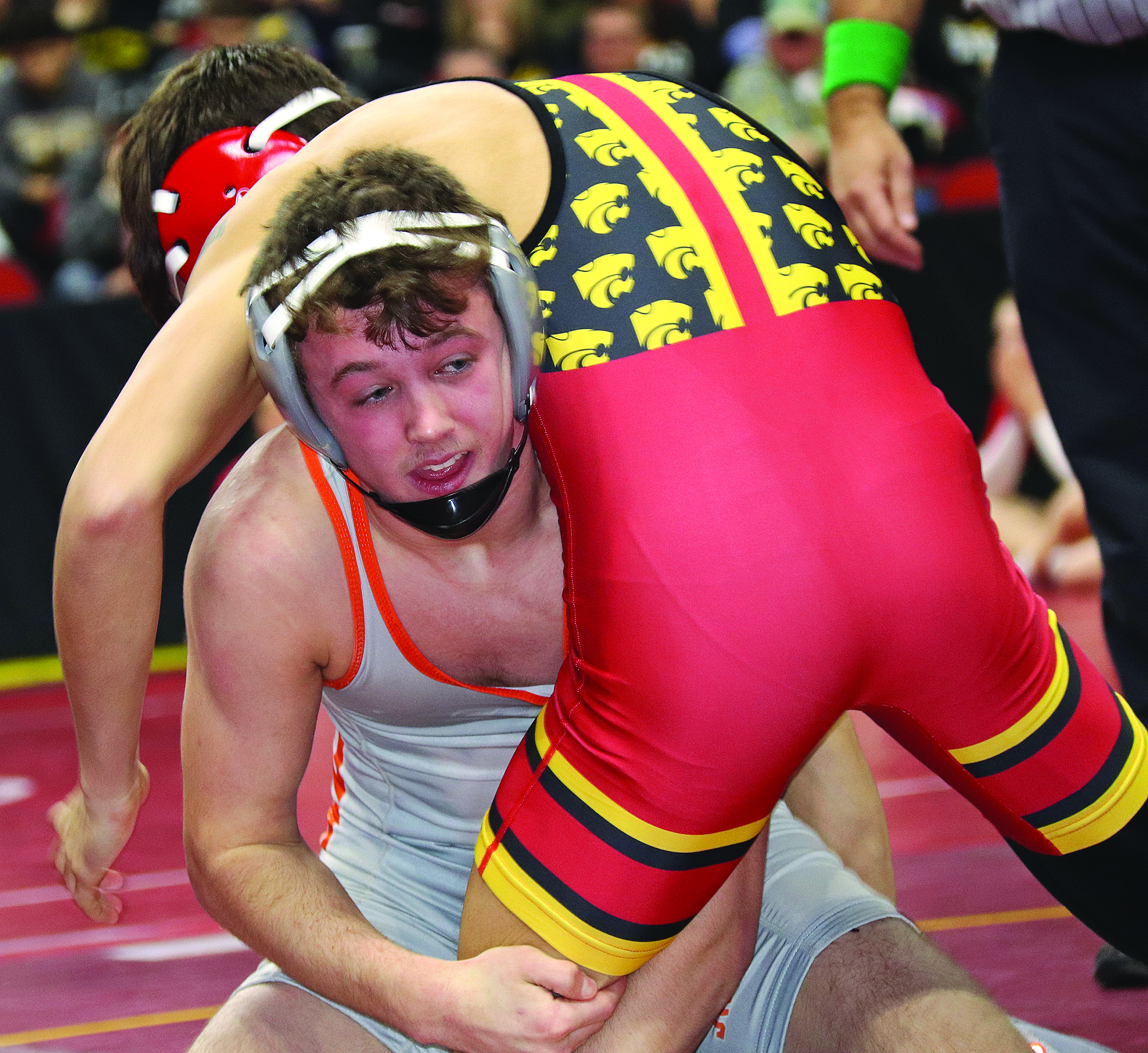 Comet wrestlers get late start to long journey