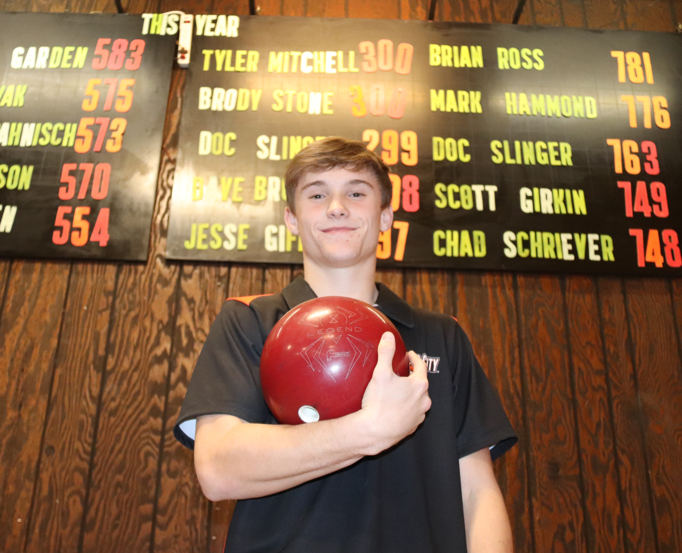 Cael Bohlen's near-perfect 299 leads to individual, team records