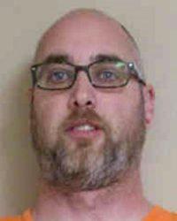 Cedar Falls man gets deferred sentence for credit card thefts