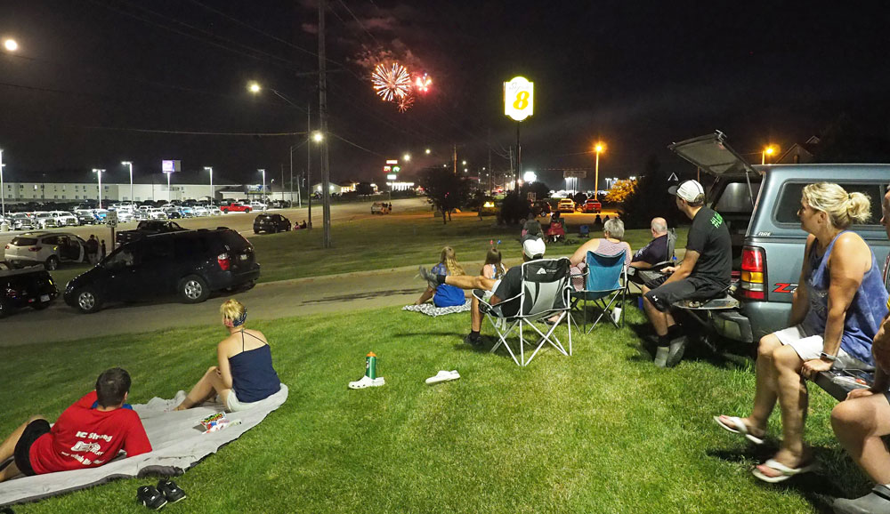 Socially distanced Fourth of July in Charles City