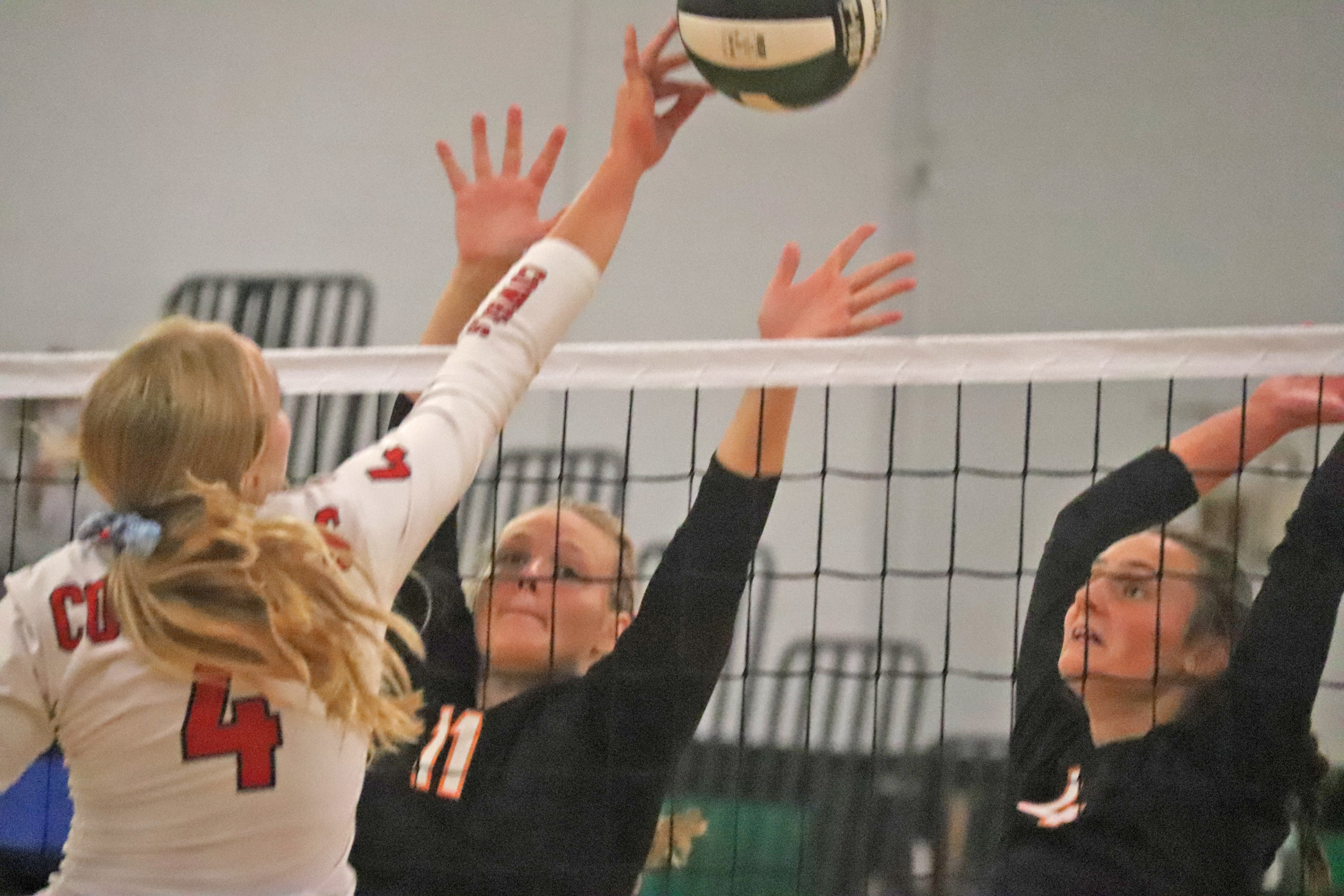 Comet go 1-3 at high-calibre volleyball tournament