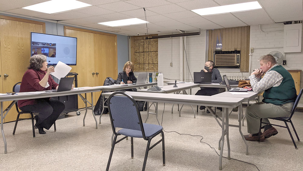 Floyd County supervisors pick new chairperson, set new regular meeting time