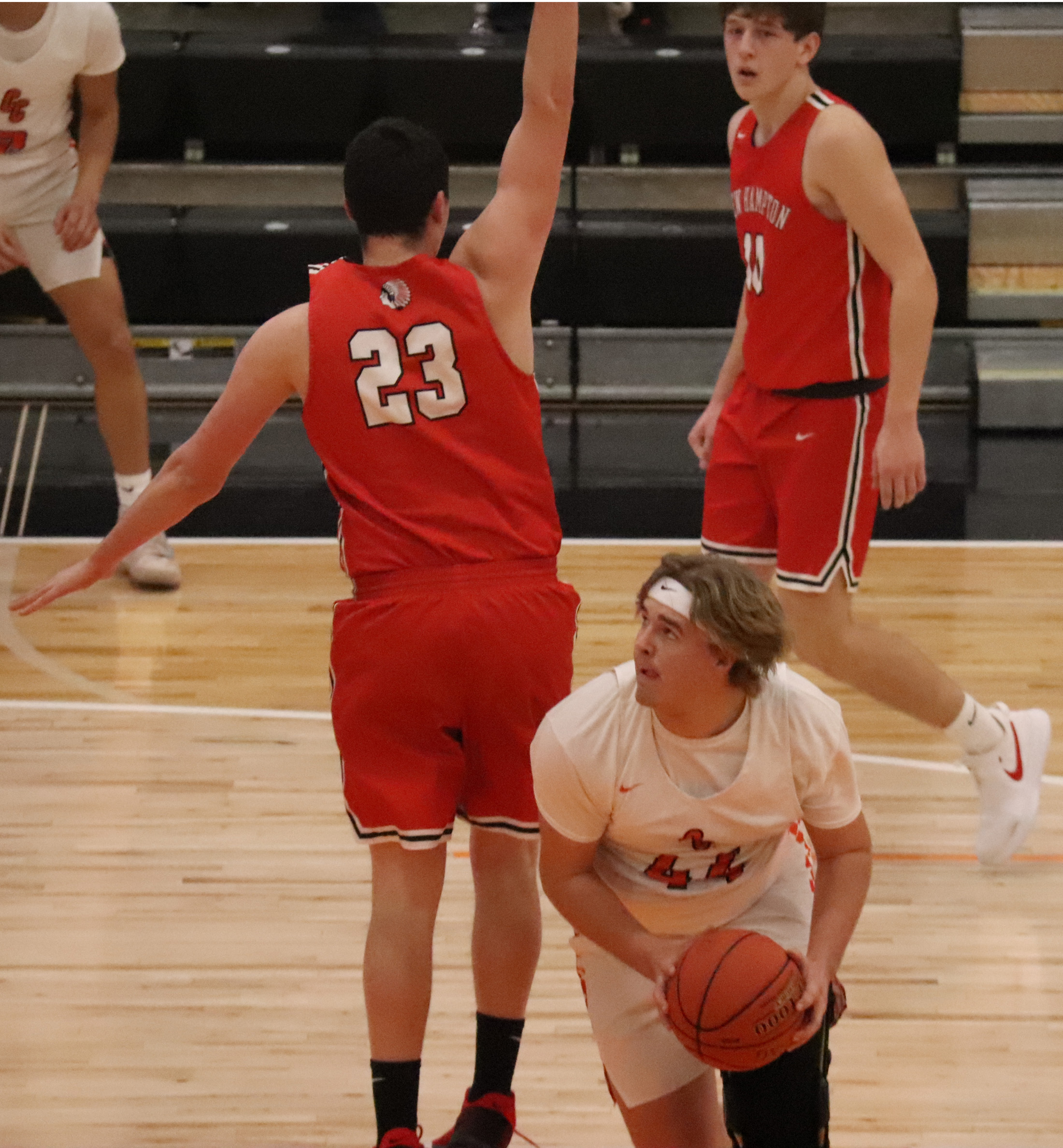 Fast start, strong finish lead Comets past Chickasaws 79-50